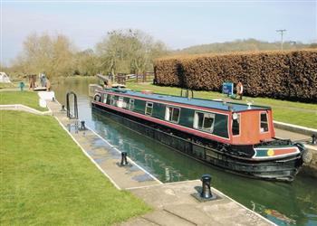 Boating holidays on Golden Meadow (BH2352) from Trevor, Llangollen