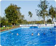 Swimming in the open - Beccles Lido in Suffolk