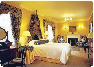 A bedroom at Baronial Castle