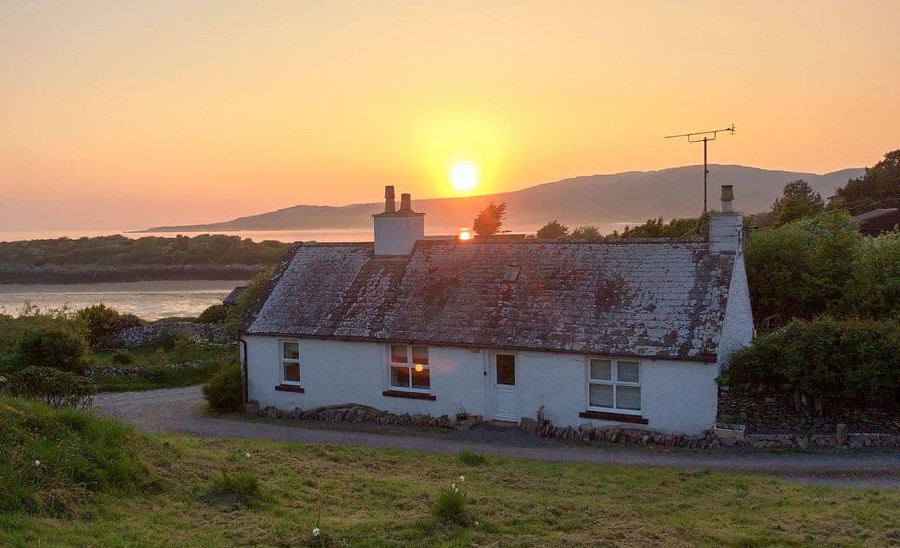 Carrick Cottage can be found near the beaches of South West Scotland