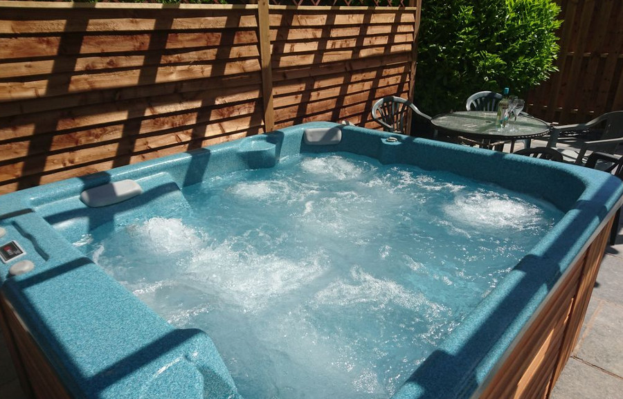 The hot tub at Castle View in Cronton