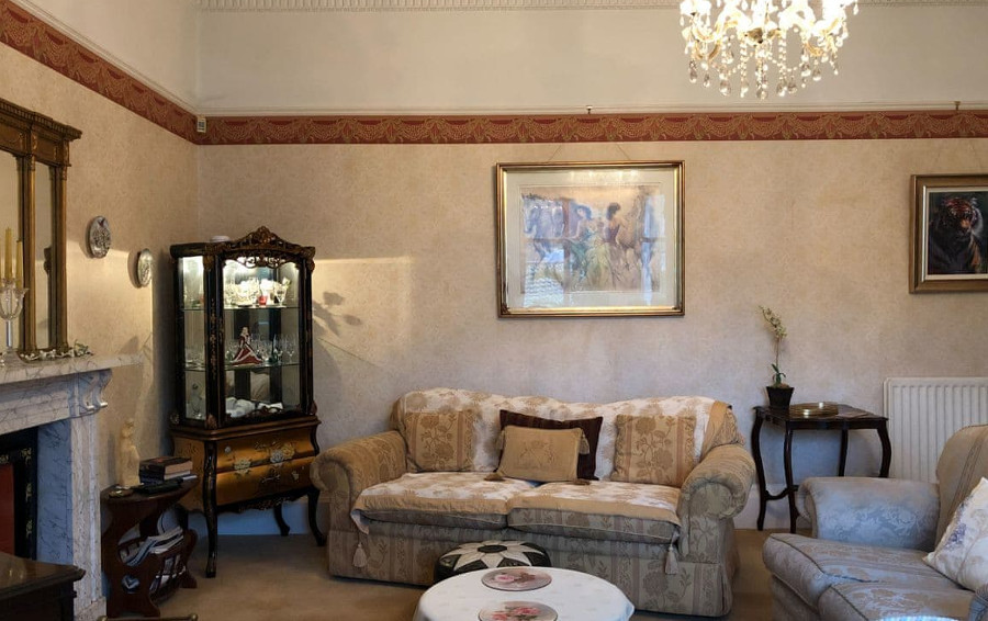 The living room at Clarence Grey House in Torquay