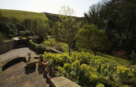 The garden at Coltscombe Court in Slapton