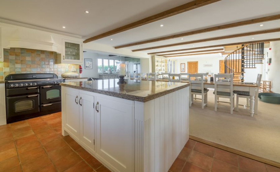 Geddings Farm Barn in Ringstead has a large kitchen and dining area