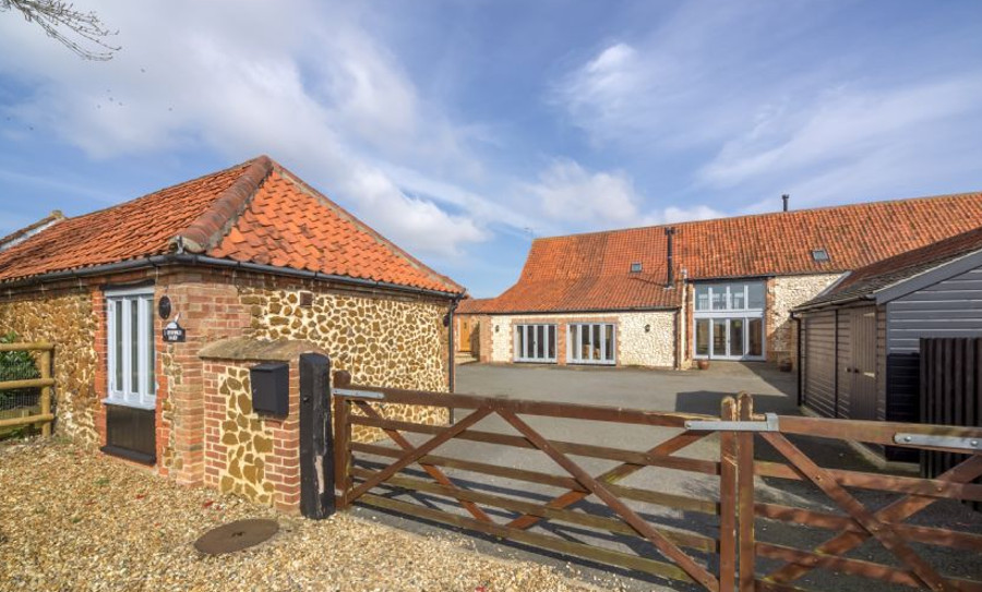 Geddings Farm Barn in Ringstead, Norfolk