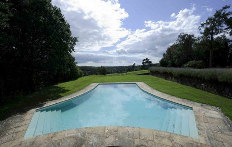 The swimming pool and views at Grouselands House