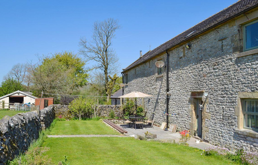 Enjoy a summer day in the garden at Hall Barn, near Buxton