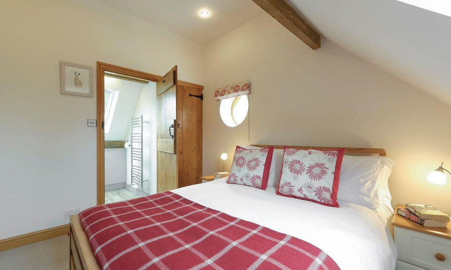 1 of the 3 bedrooms at Harvesters Motor House in Warwickshire