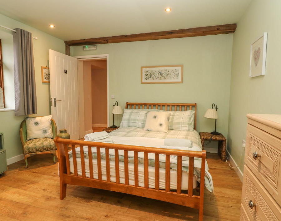 Hop House in Oad Street has 5 double bedrooms and 2 twin bedrooms - this is one of those doubles