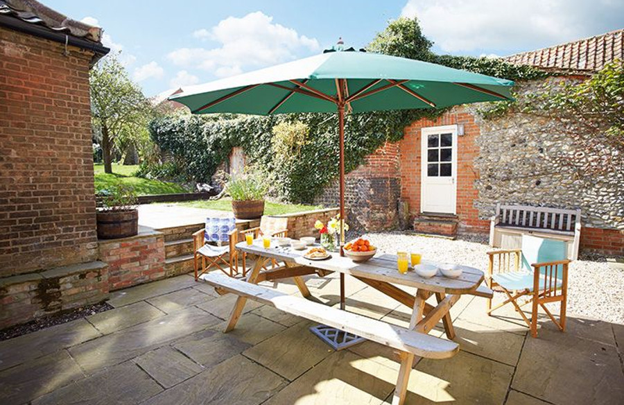 Al fresco living on the North Norfolk Coast with a holiday at Laylands