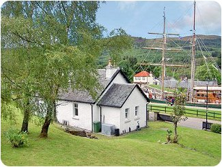 Ness View Cottage in Fort Augustus, Scottish Highlands