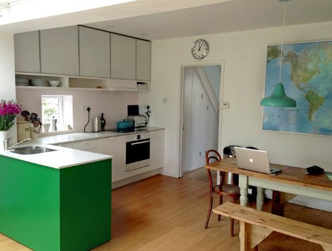 The kitchen and dining room at Shore Break, Devon