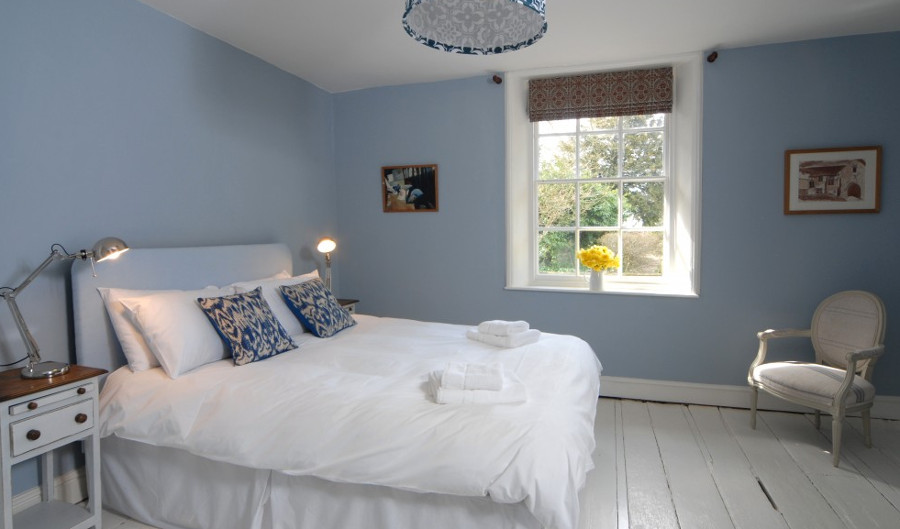 One of the seven bedrooms at The Gate House in Wimborne Minster