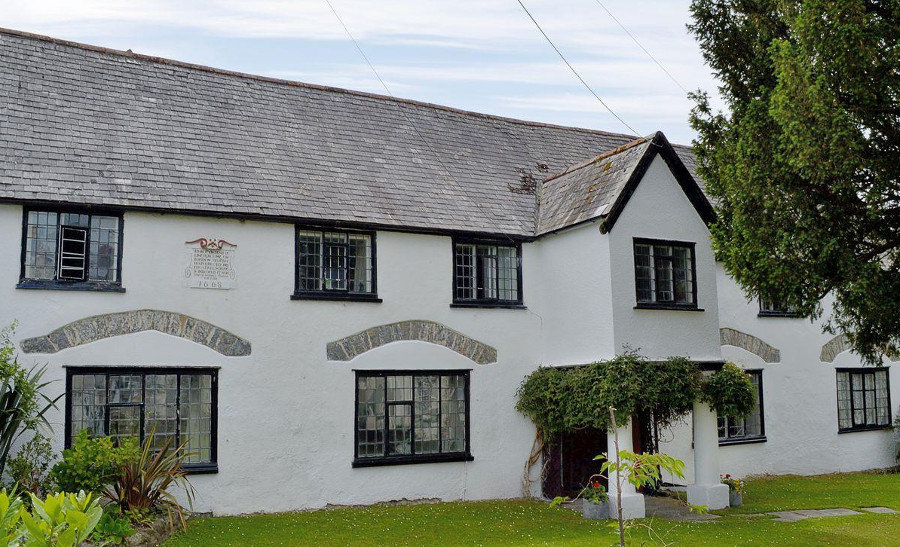 The Old House is in the centre Chudleigh, Devon