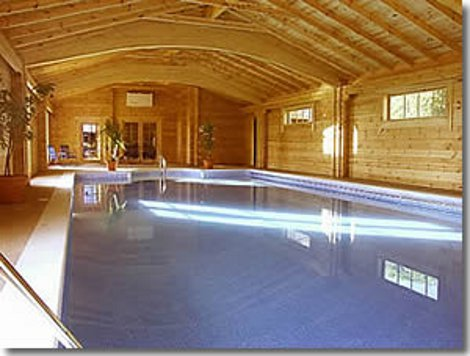 Swimming pool at The Victorian Barn and Dairy House Farm Cottages