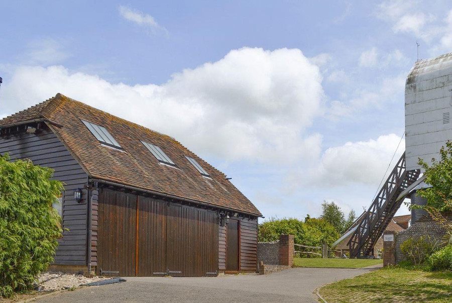 Windmill Barn in Windmill Hill, East Sussex