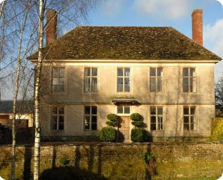 Yew Tree Farmhouse in Lechlade On Thames, Wiltshire