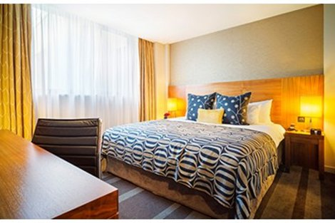 A bedroom at Apex City of London hotel - Tower Bridge