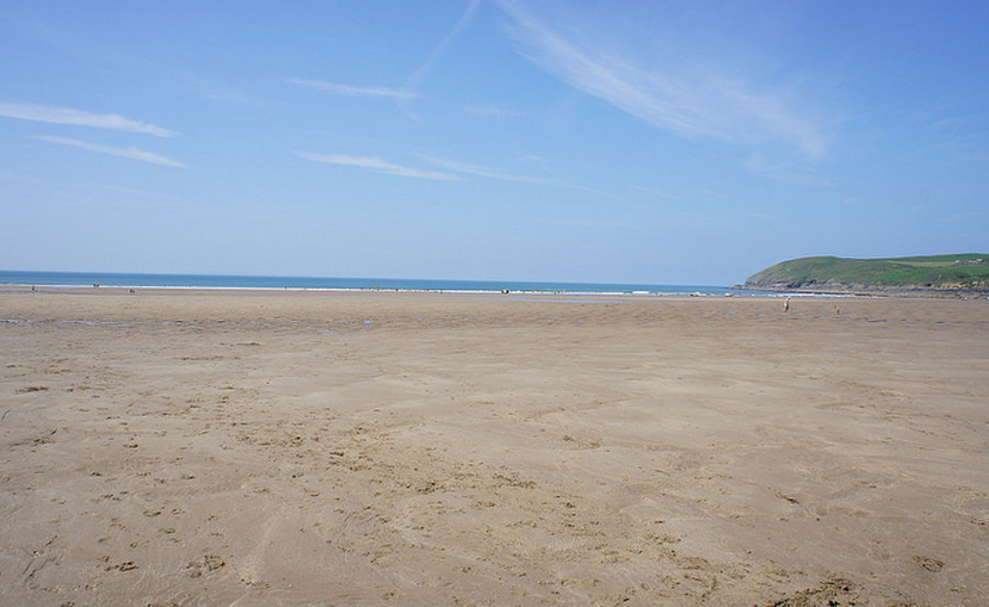 The beach is a very short walk from Croyde Coastal Retreats
