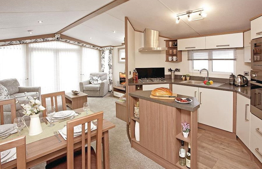 The kitchen, dining area and living room at Loch Ness Retreat, Highlands