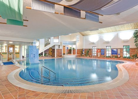 The swimming pool at Saint Aubyns Country Estate in Camborne